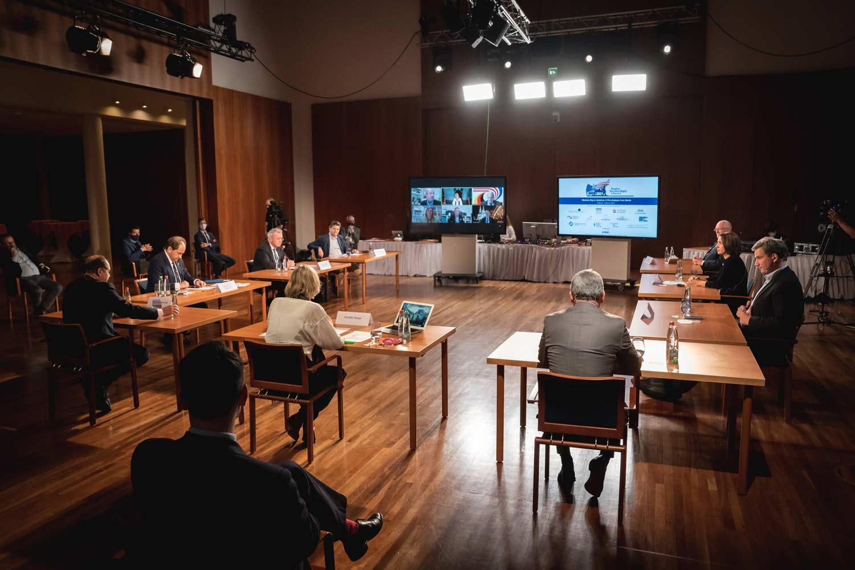 Panel am Vorabend der US Präsidentschaftswahl